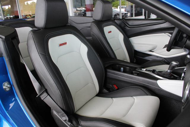 2017 Chevrolet Camaro SS / 2SS - CERAMIC WHITE LEATHER - MAG RIDE! Mooresville , NC 15