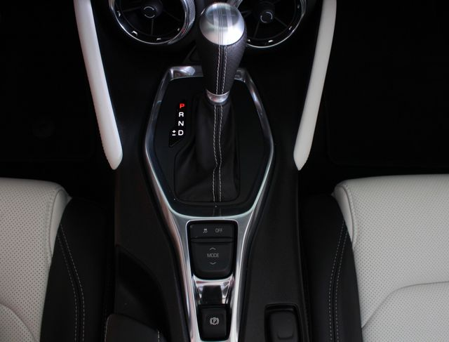 2017 Chevrolet Camaro SS / 2SS - CERAMIC WHITE LEATHER - MAG RIDE! Mooresville , NC 11