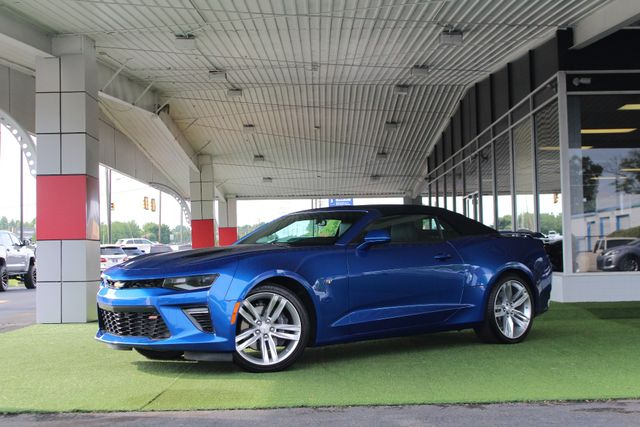2017 Chevrolet Camaro SS / 2SS - CERAMIC WHITE LEATHER - MAG RIDE! Mooresville , NC 46
