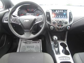 2017 Chevrolet Cruze LT Batesville, Mississippi 22