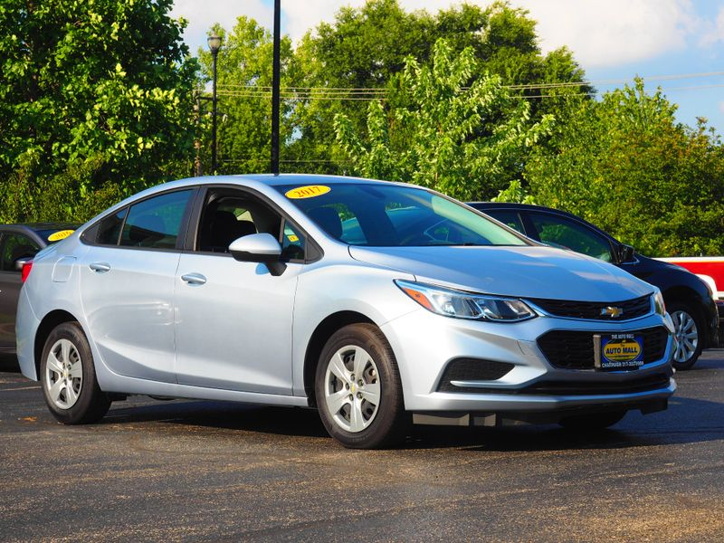 2017 Chevrolet Cruze LS | Champaign, Illinois | The Auto Mall of Champaign in Champaign Illinois