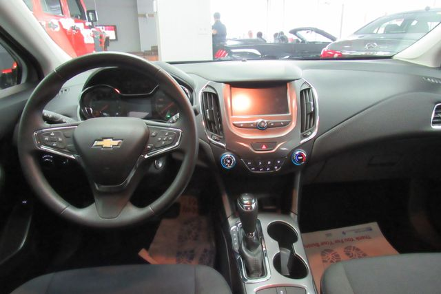 2017 Chevrolet Cruze LT W/ BACK UP CAM Chicago, Illinois 17