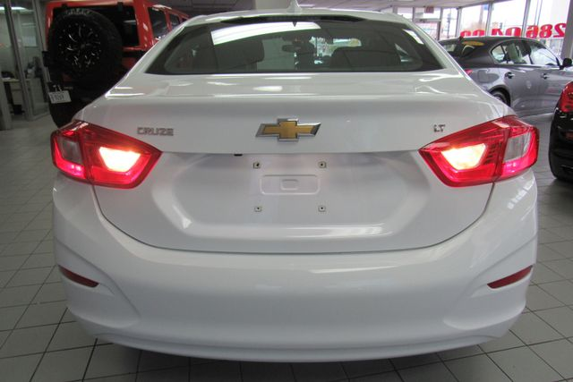 2017 Chevrolet Cruze LT W/ BACK UP CAM Chicago, Illinois 4