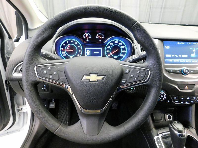 2017 Chevrolet Cruze LT  city Ohio  North Coast Auto Mall of Cleveland  in Cleveland, Ohio