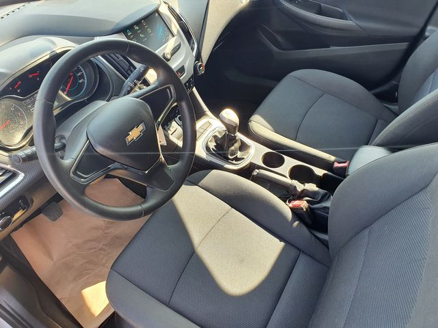 "2017 Chevrolet Cruze LS 1.4L Turbo 6M w/7"" COLOR TOUCH-SCREEN in Louisville, TN 37777"