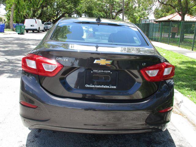 2017 Chevrolet Cruze LT Miami, Florida 2