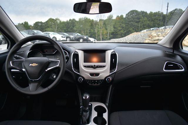 2017 Chevrolet Cruze LS Naugatuck, Connecticut 14