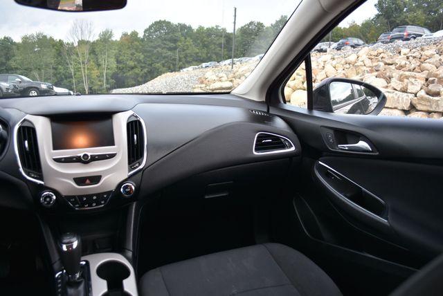 2017 Chevrolet Cruze LS Naugatuck, Connecticut 15