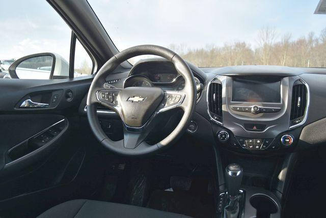 2017 Chevrolet Cruze LT Naugatuck, Connecticut 14