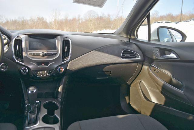 2017 Chevrolet Cruze LT Naugatuck, Connecticut 16