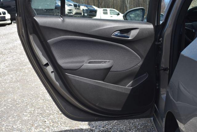 2017 Chevrolet Cruze LT Naugatuck, Connecticut 12