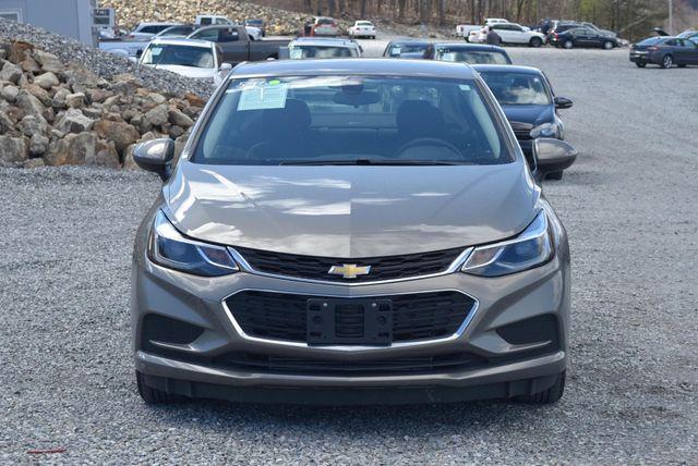 2017 Chevrolet Cruze LT Naugatuck, Connecticut 7