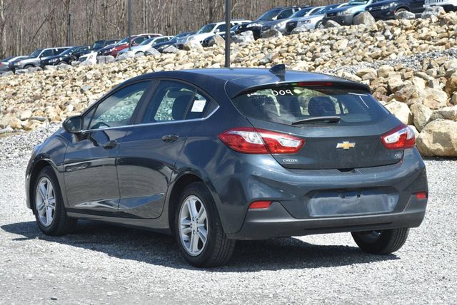 2017 Chevrolet Cruze LT Naugatuck, Connecticut 2