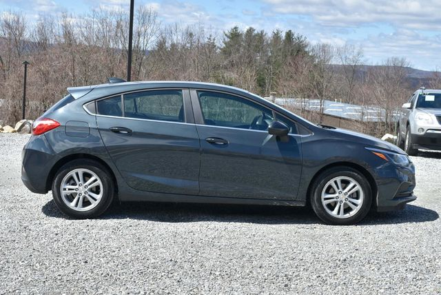 2017 Chevrolet Cruze LT Naugatuck, Connecticut 5