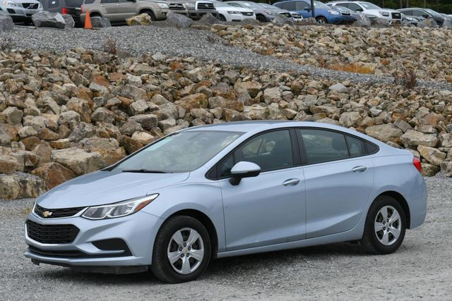 2017 Chevrolet Cruze LS Naugatuck, Connecticut