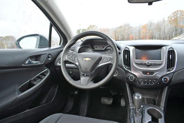 2017 Chevrolet Cruze LT Naugatuck, Connecticut 15