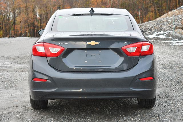2017 Chevrolet Cruze LT Naugatuck, Connecticut 3