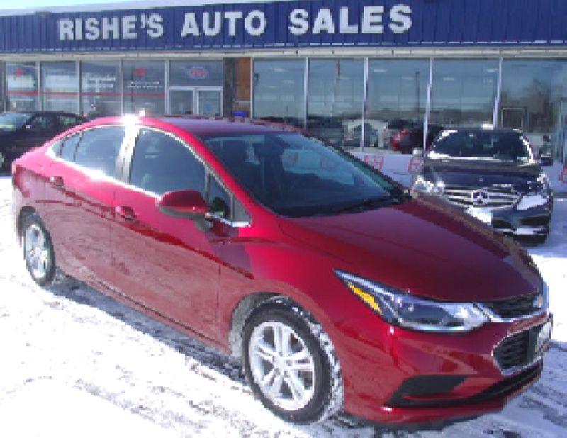 2017 Chevrolet Cruze LT | Rishe's Import Center in Ogdensburg New York