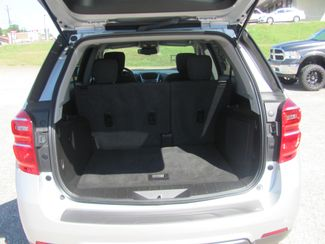 2017 Chevrolet Equinox LT Dickson, Tennessee 5