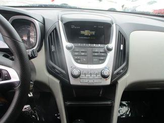 2017 Chevrolet Equinox LT Farmington, MN 4