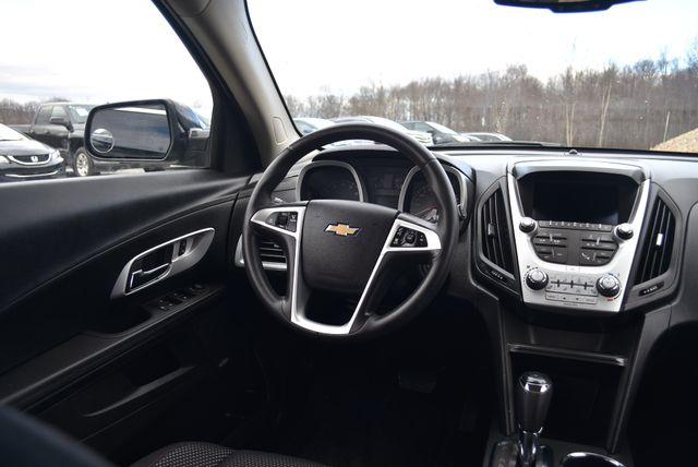 2017 Chevrolet Equinox LT Naugatuck, Connecticut 15
