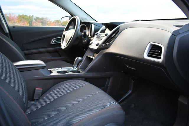 2017 Chevrolet Equinox LT Naugatuck, Connecticut 8