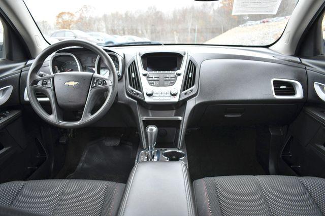 2017 Chevrolet Equinox LS Naugatuck, Connecticut 17