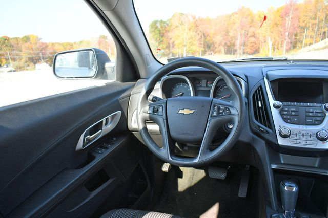 2017 Chevrolet Equinox LS Naugatuck, Connecticut 16