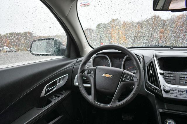 2017 Chevrolet Equinox LS Naugatuck, Connecticut 13