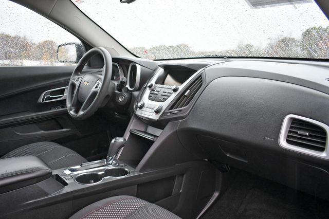 2017 Chevrolet Equinox LS Naugatuck, Connecticut 8