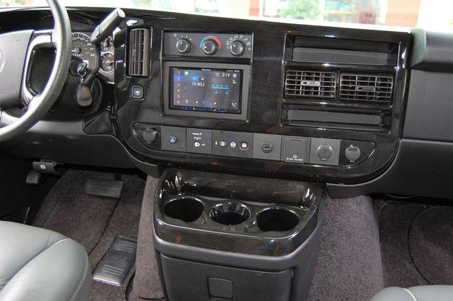 2017 Chevrolet 9 Pass. TV / DVD Charlotte, North Carolina 31