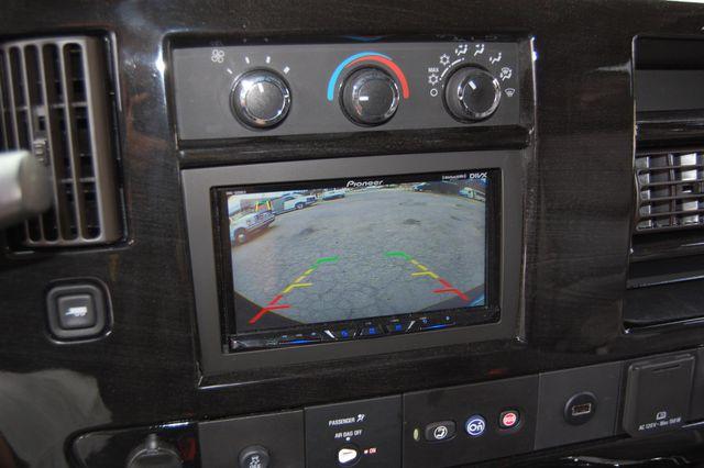 2017 Chevrolet 9 Pass. TV / DVD Charlotte, North Carolina 32