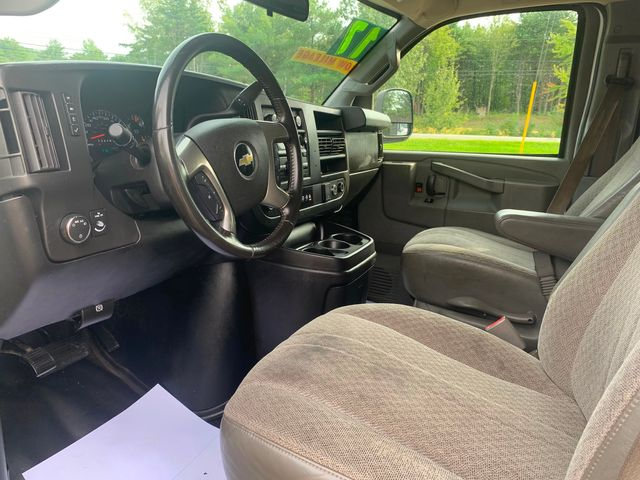 2017 Chevrolet Express Passenger LS Hoosick Falls, New York 5