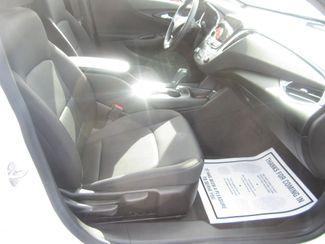 2017 Chevrolet Malibu LT Batesville, Mississippi 32
