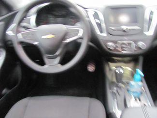 2017 Chevrolet Malibu LT Dickson, Tennessee 6