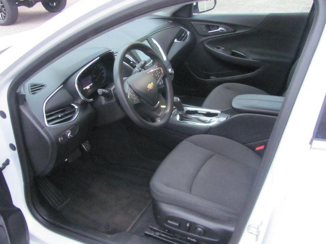 2017 Chevrolet Malibu LT Dickson, Tennessee 9