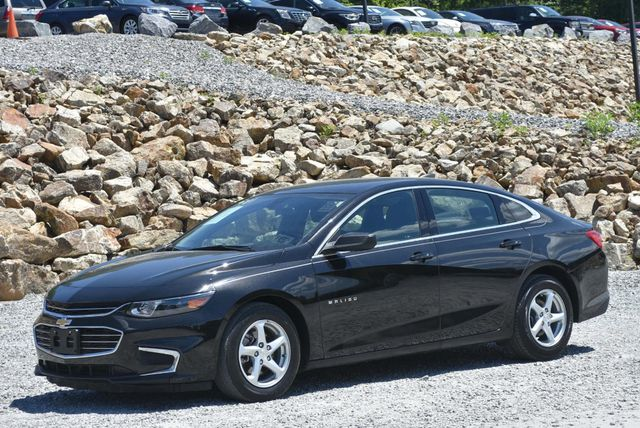 2017 Chevrolet Malibu LS Naugatuck, Connecticut