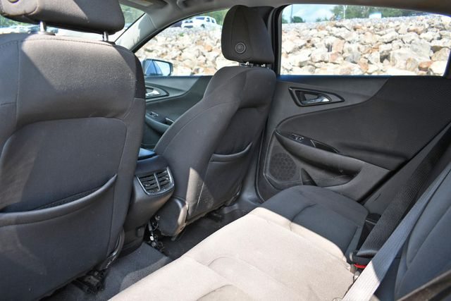 2017 Chevrolet Malibu LT Naugatuck, Connecticut 10