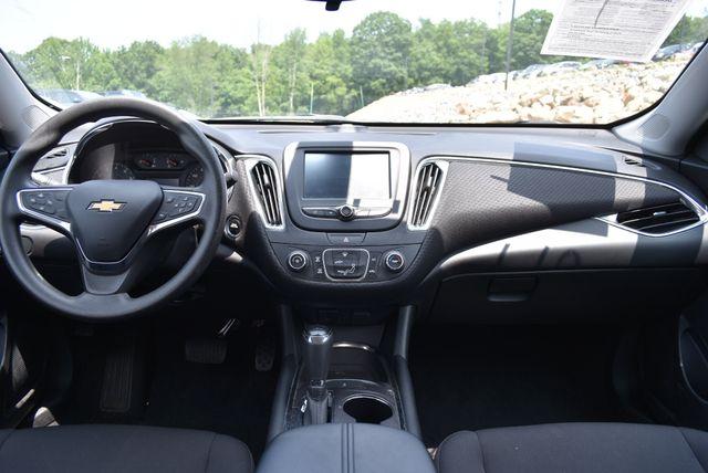 2017 Chevrolet Malibu LT Naugatuck, Connecticut 13