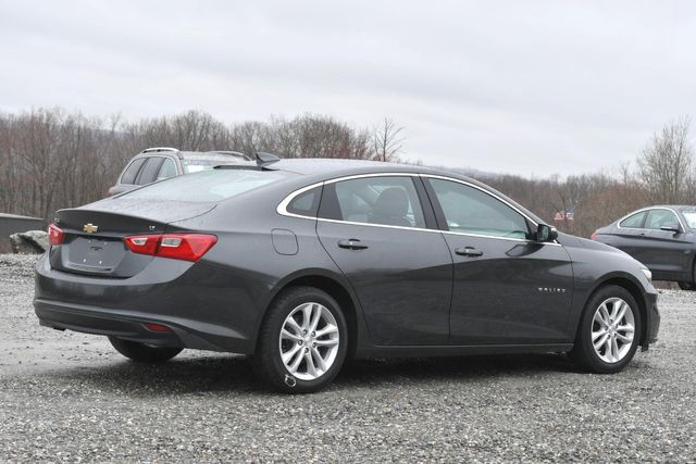 2017 Chevrolet Malibu LT Naugatuck, Connecticut 4