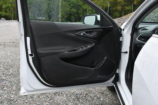 2017 Chevrolet Malibu Hybrid Naugatuck, Connecticut 18