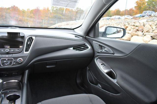 2017 Chevrolet Malibu LT Naugatuck, Connecticut 14