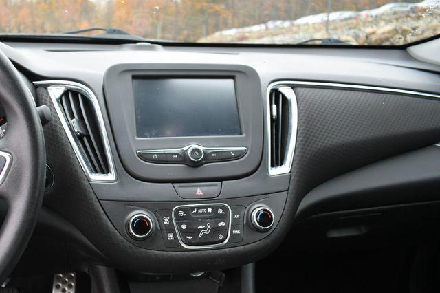 2017 Chevrolet Malibu Hybrid Naugatuck, Connecticut 21