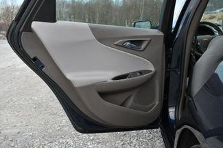 2017 Chevrolet Malibu Hybrid Naugatuck, Connecticut 12