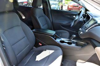 2017 Chevrolet Malibu LT Waterbury, Connecticut 14