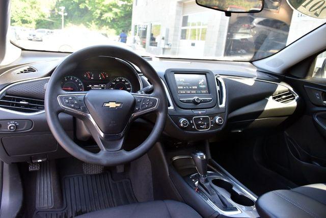 2017 Chevrolet Malibu LT Waterbury, Connecticut 9
