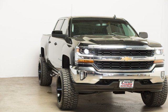 2017 Chevrolet Silverado 1500 LT in Dallas, TX 75001
