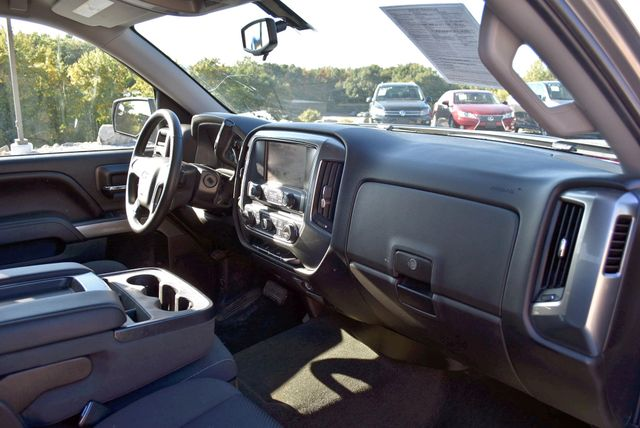 2017 Chevrolet Silverado 1500 LT Naugatuck, Connecticut 8