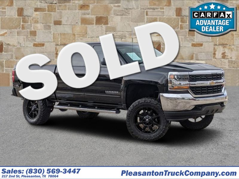2017 Chevrolet Silverado 1500 LT   Pleasanton, TX   Pleasanton Truck Company in Pleasanton TX