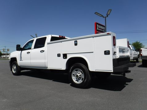 2017 Chevrolet Silverado 2500HD Crew Cab 2wd with New 8' Knapheide Utility Bed  in Ephrata, PA